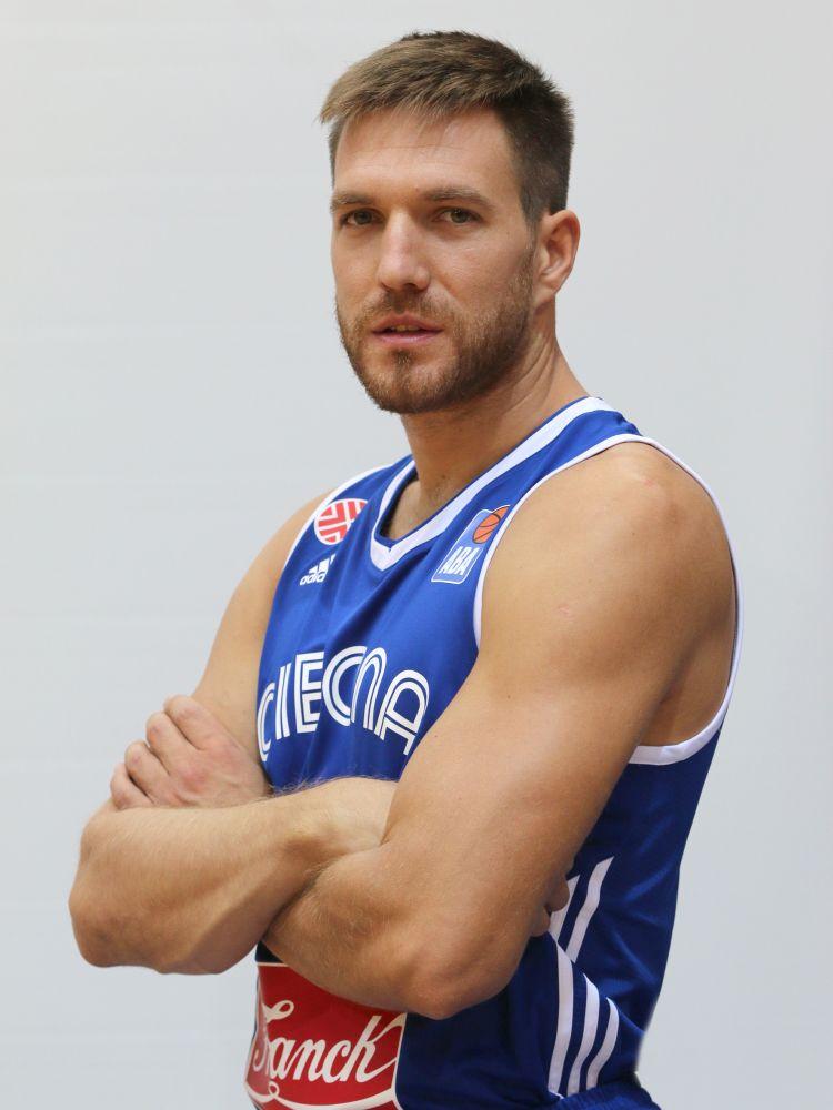 06 Petar Maric
