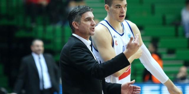 16.12.2015., KC Drazen Petrovic, Zagreb - Top 32 FIBA Europe Cup, Grupa S, KK Cibona - CS Energia Targu Jiu. Trener KK Cibone Damir Mulaomerovic, Ivica Zubac. Photo: Igor Kralj/PIXSELL