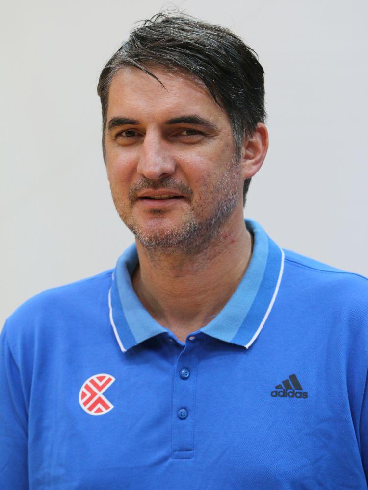 Damir Mulaomerovic Trener